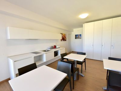 Photo for Triple Deluxe Double or Twin Room with City View