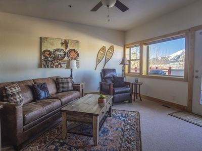 Photo for 1 BR in the heart of Dillon, walk to restaurants, Lake Dillon, Bus, Rec Path