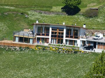 """Farm, big modern apartment, terrace, grill, in the middle of mountains - Wohnungen """"Artemise"""" und """"Thymus"""""""