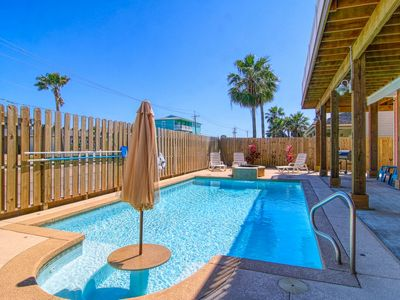 Photo for Coral Cottage: Private Pool, Blocks from Beach, Outdoor TV, Fire Pit, Pets