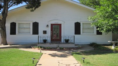 Photo for ♥ ENTIRE HOUSE: BEST LOCATION ♥ Walk to Downtown Square, WTAMU, and More!