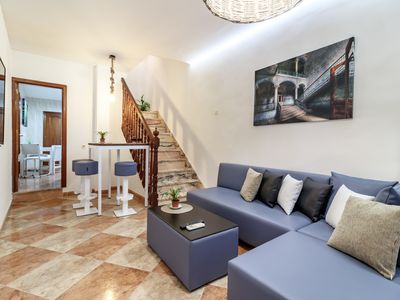 Photo for GRANADA CENTRO. SAN ISIDRO. terraced house ground floor and first floor