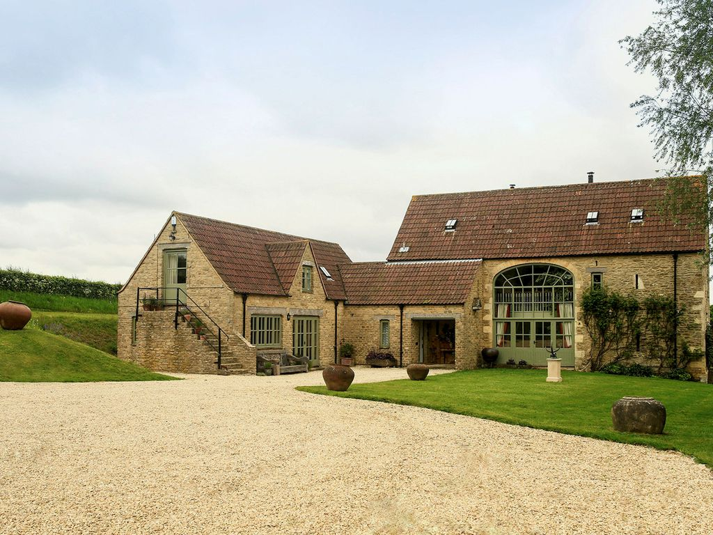 guests tubs perfect natural witcombe and with cheltenham of cottages sit in provides ref rent this stunning to cotswolds landers the beauty location back little a relax near tub area outstanding hot property