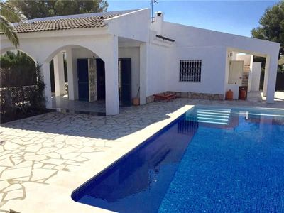 Photo for Detached house with terrace, private pool, beach 5min walk