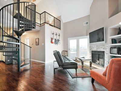 Photo for 2BR/1.5BA Renovated Condo - Walk to Downtown and Rainey Street