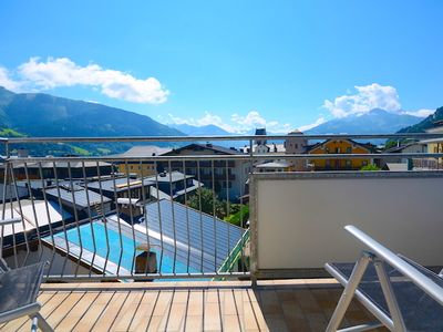 Photo for Apartment Hensel - bright apartment in the center of Zell am See, 200m from the Zeller Lake
