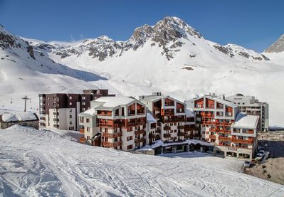Located in the famous ski resort of Tignes, at the heart of the French Alps, this residence is a charming holiday vacation spot