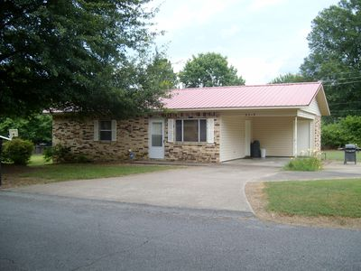 Photo for Centrally located and easy access to places around Heber Springs.