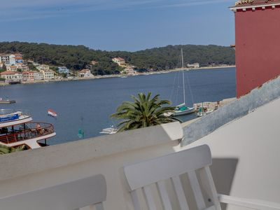 Photo for Mandarina Nera apartment in Mali Losinj with WiFi, air conditioning, private parking & balcony.