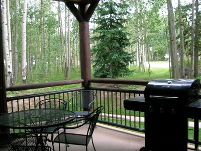 Photo for Beautifully Decorated, Walk to Lifts & Main St., Private Hot Tub, Wi-Fi, Garage