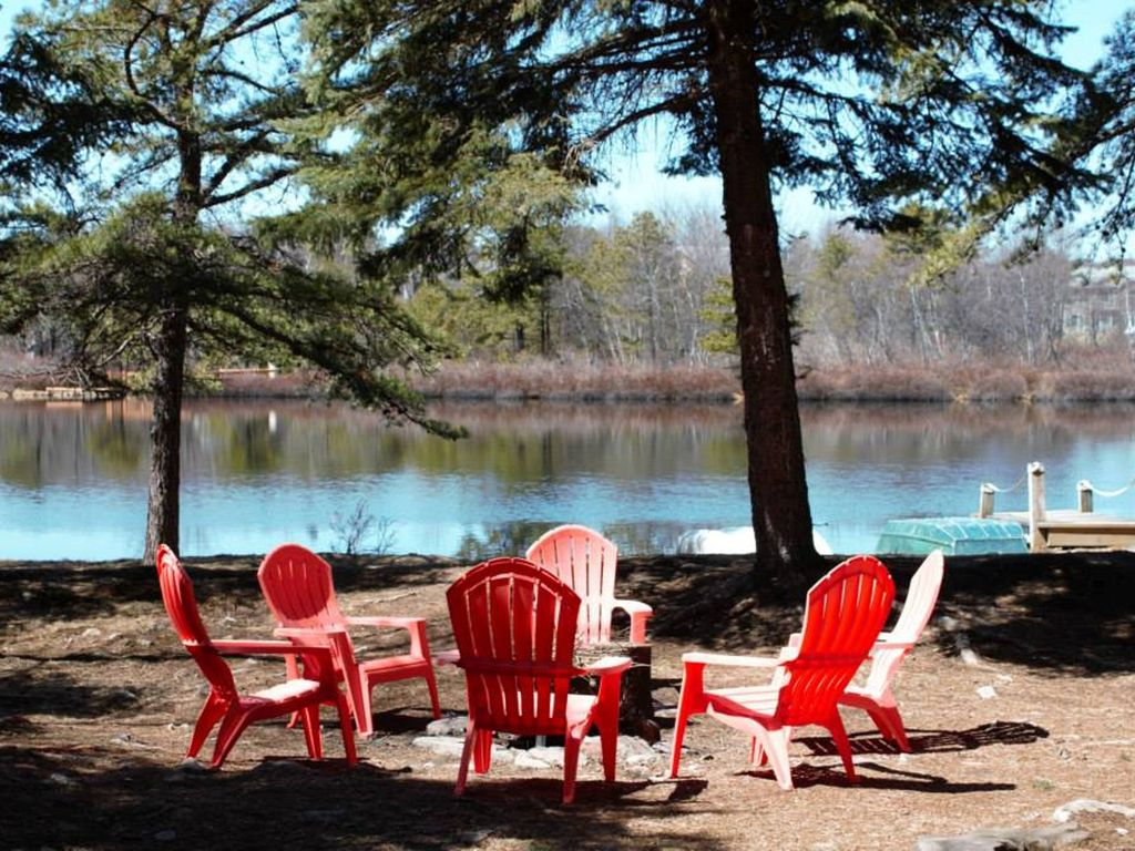 pocono summit big and beautiful singles Pocono resorts and lodges: poconos resorts & hotels immerse yourself in the heart of nature at this beautiful poconos getaway.