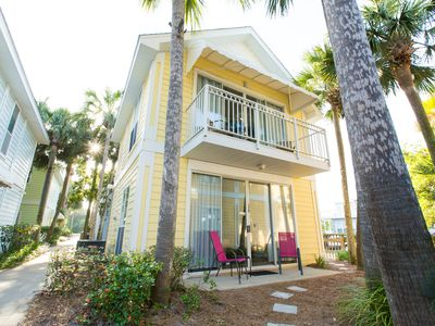 Photo for Crystal Beach Cottage, steps to beach & pool.  Close to shopping, restaurants!