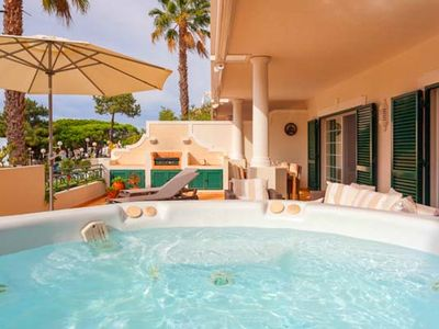 Photo for Luxury 2 bedroom apartment with jacuzzi beside Tennis Centre Vale do Lobo J118