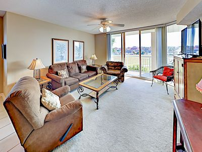 Photo for Spacious Condo - Hot Tub, Heated Pool - Near Barefoot Landing, House of Blues