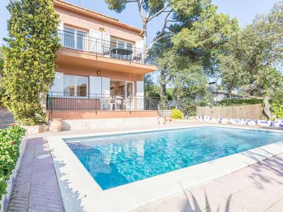 Photo for Simply furnished apartment with shared pool in Llafranc