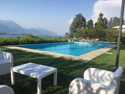 Photo for Villa with private pool with a large garden overlooking the lake at 360 degrees