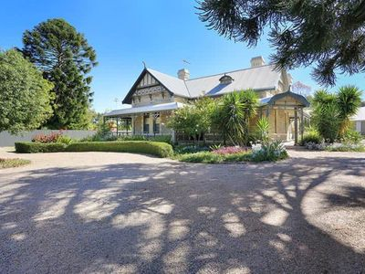 Photo for 4 Bedroom Home in the Heart of Tanunda