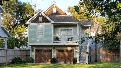 Centrally Located 2 Bedroom Gem in Houston Heights