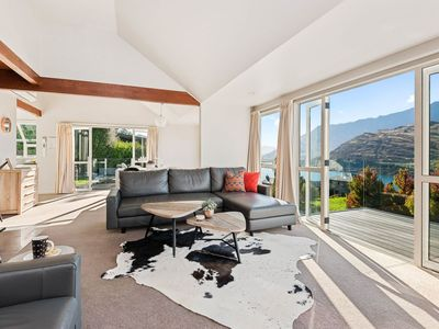 Photo for Wakatipu Views - Queenstown Holiday Home