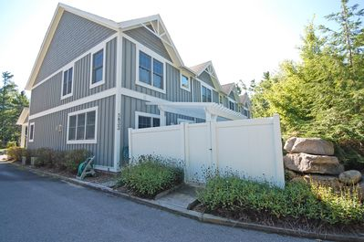 Lake Street Retreat is an end unit townhome in downtown Glen Arbor!
