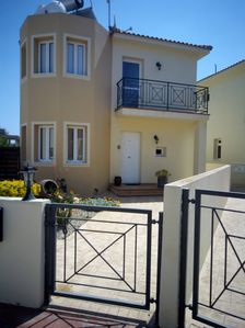 Photo for Beautiful villa, private pool, minutes walk to beaches and amenities, free wifi