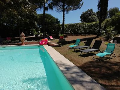 Photo for Spacious Provencal villa in absolute calm with large ground floor pool! !