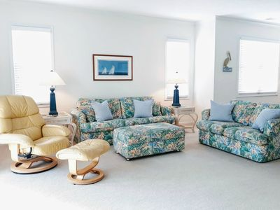 Photo for Perch In The Palms - Spacious & Fun Beach Vibes in Ocean Keyes- Fab Location