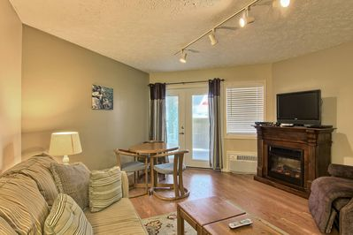 Living Room Area - You can enjoy a movie on the TV or just cozy up to the electric fireplace.
