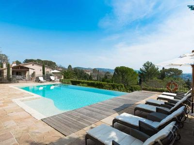 Photo for Prestigious family house near Mougins with large fenced pool and sea views