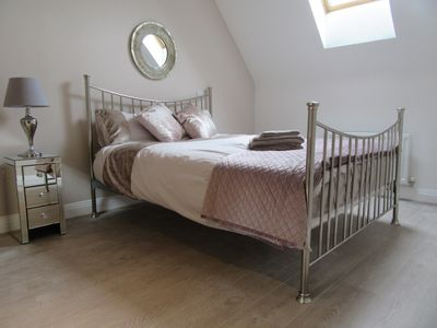 Windsor Town centre luxury gated en-suite property with  parking and lift