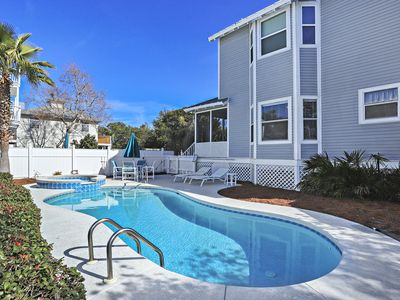 Photo for HEART OF DESTIN! OPEN 9/7-14! HEATED POOL!!