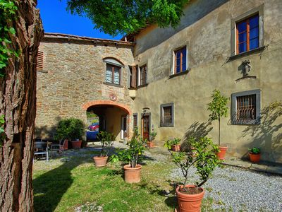 Photo for Apartment with terrace in a Chianti castle, near Florence