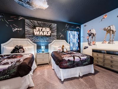 Photo for Encore Resort. 5 miles from Disney. Star Wars and Finding Nemo themed rooms. 😀