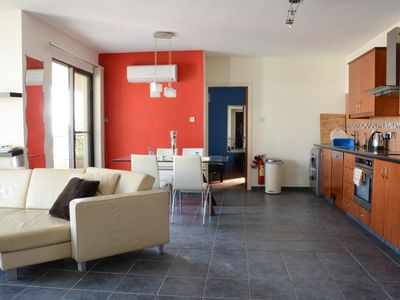 Photo for 2-bed 2-bath luxury apartment with Shared Pool, A/C, Wifi