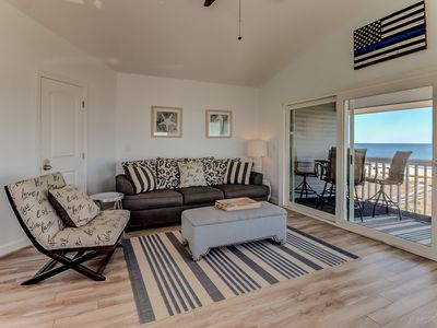 Photo for Mimi's Place - Top floor condo with a SPECTACULAR view of the beach!