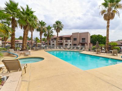 Photo for Modern 2 Bed Condo 2 Full Baths Corner Unit Over Looking the Pool !!