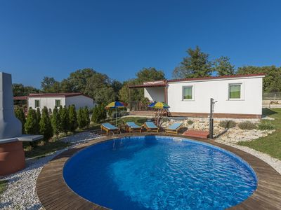 Photo for Holiday house with private pool for 6-8 persons in the holiday park Jelovci