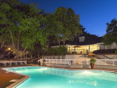 Photo for Easy access to all of Atlanta! 2 Pools and Gym