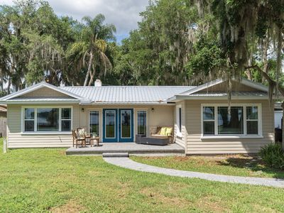 Photo for Mount Dora Lakefront Cottage