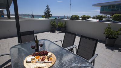 Photo for Mollymook Beachfront Luxury Apartment 3