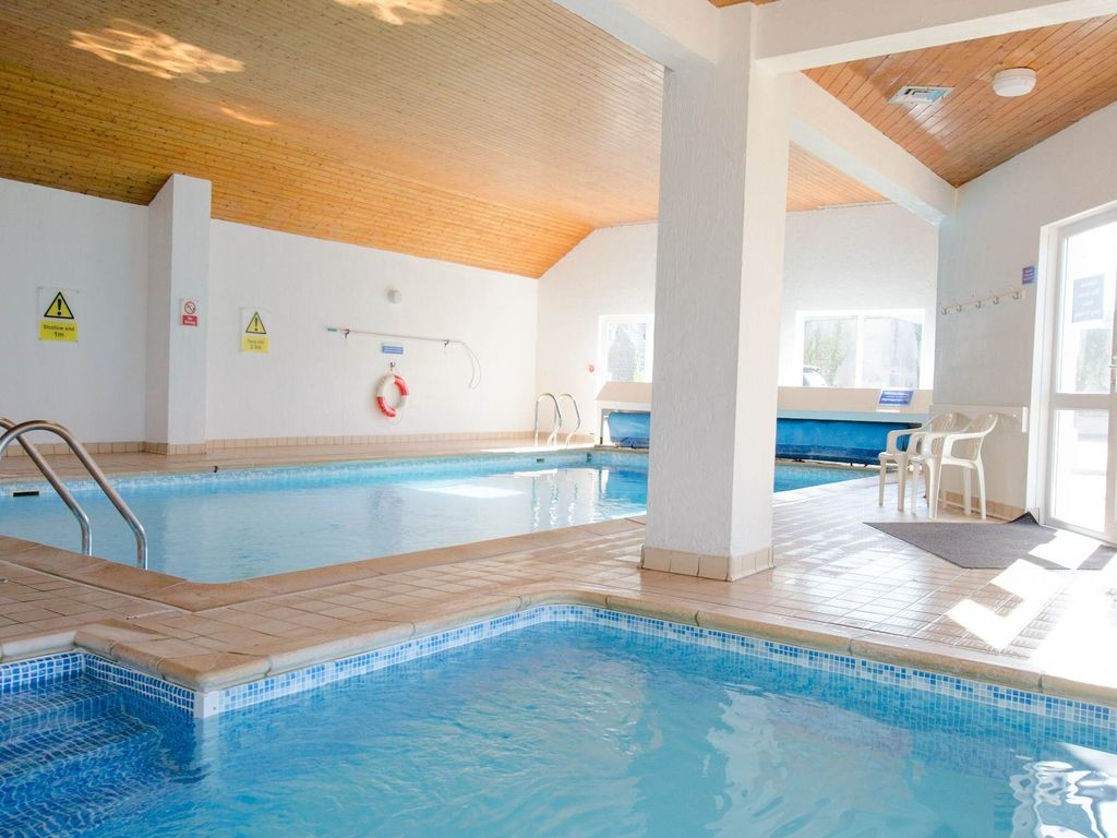 Putsborough Apartment Rental   Indoor Heated Swimming Pool, Changing Rooms  And Shower Facilities Part 70