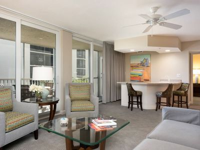 Photo for Fort Myers Beach Apartment, Sleeps 4 with Pool, Air Con and WiFi