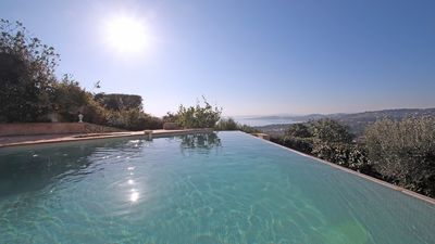 Photo for Villa 10 people - Sea view - Private pool - WiFi - Air conditioning - Les Issambres