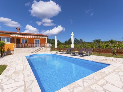 Photo for Romantic Villa in a sunny location near the sea, family-friendly, private pool