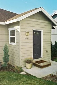 Front and Rear Entry are convenient for shoe removal, bag unloading or welcoming