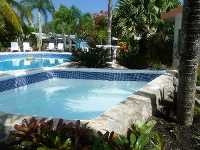 Photo for Romantic villa with private pool and jacuzzi in a tropical garden.