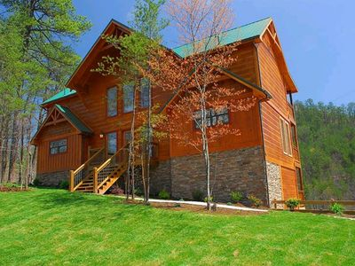 Photo for Valley View-tiful - 5 Bedrooms, 5 Baths, Sleeps 18