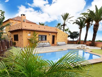 Photo for Heated private pool. BBQ, SAT TV, 5 bedrooms