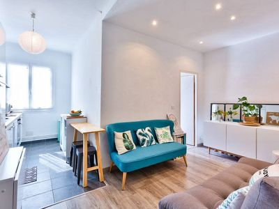 Photo for COZY FLAT, BRIGHT, CLOSE TO THE HARBOR AND STATION