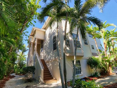 Beautiful Gulf Front 6 Bedroom Home in Captiva, Captured!